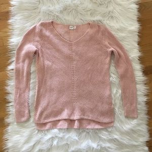 Gap pink sweater size Medium